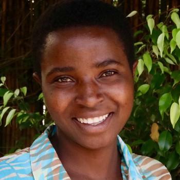 Imbereheza Denise Igabe portrait (1024x683)