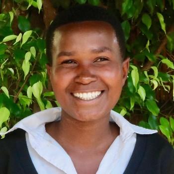 Twirererabana Denyse Mutuyimana portrait (1024x683)