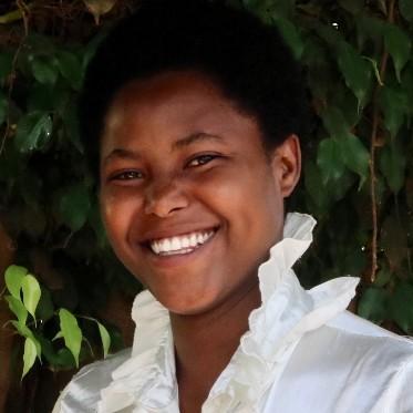 Twirererabana Egidia Mukamuana portrait (1024x683)
