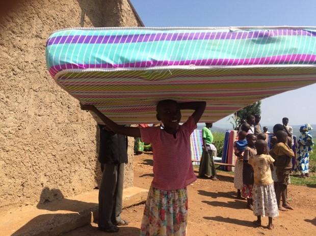 2-mattress-girl