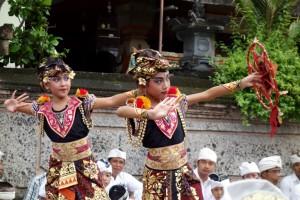 ! 5 Padangbai Barong girls banner