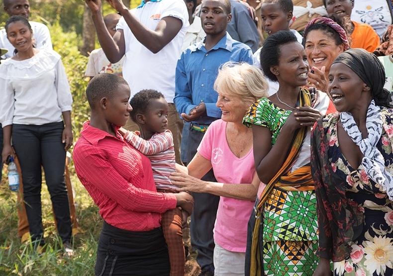 ! 4 Kayonza baptism us Fran Collin 0827