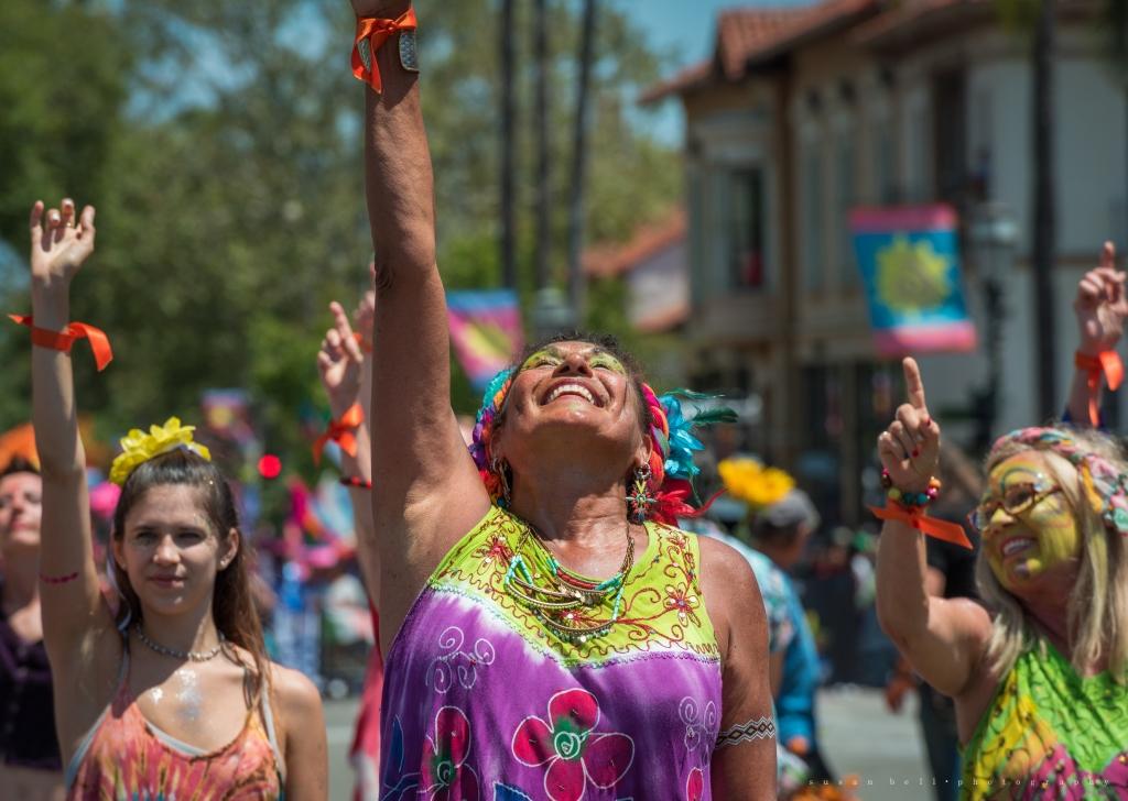 ! ! parade olga - Susan Bell