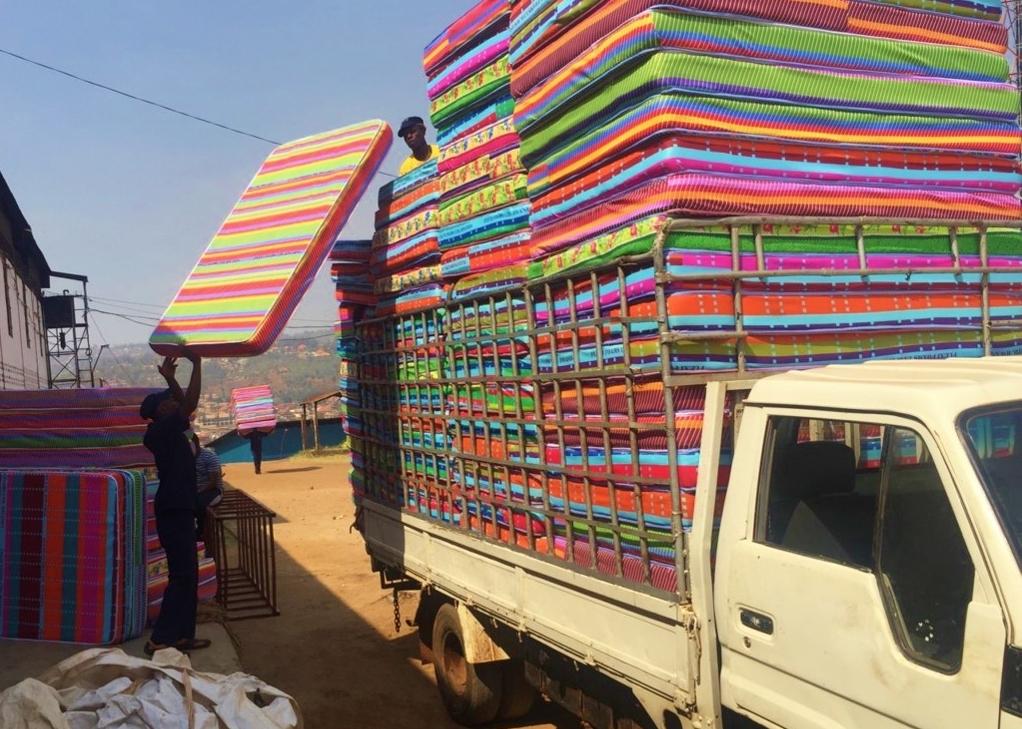 mattress truck komera joy