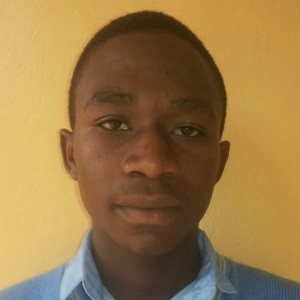 Elisa Yumvabayisenga was abandoned by his father and stays with his 3 siblings in the house of their neighbor. He is 17 years old, in his 5th year of high school.