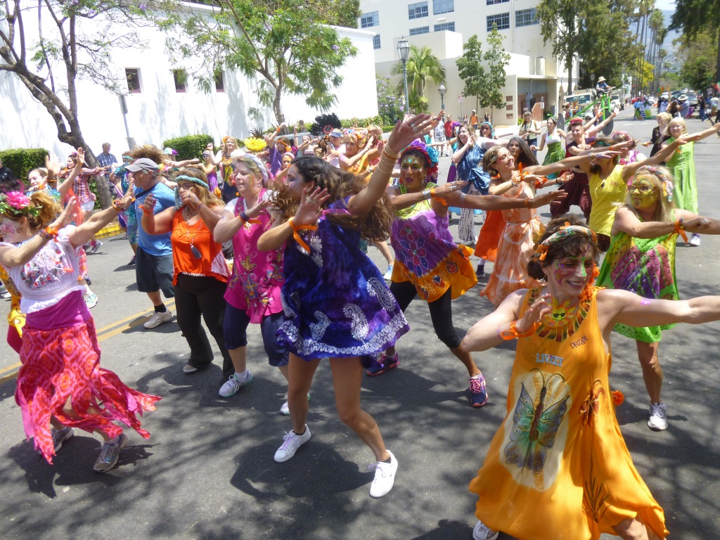 """""""Break the Chain"""" at the Summer Solstice Parade, dedicated to the memory of our friend and activist extraordinaire, Nancy Koppelman"""